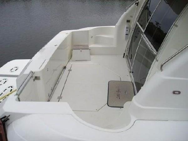 2001 Cruisers Yachts 5000 Sedan Sport  2174371
