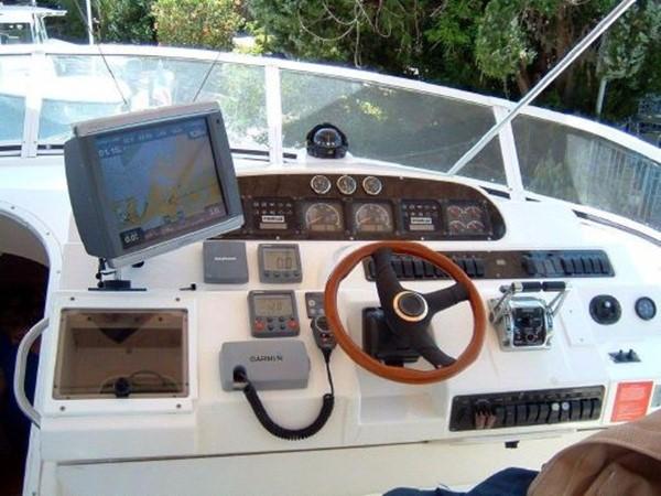 2001 Cruisers Yachts 5000 Sedan Sport  2174374