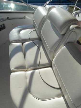 2001 Cruisers Yachts 5000 Sedan Sport  2174378