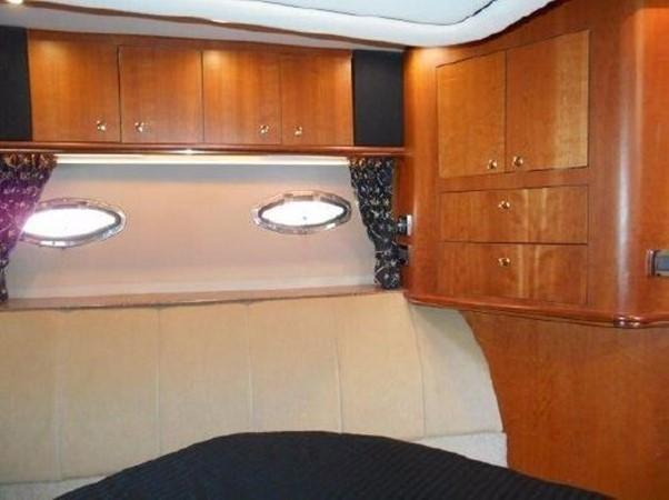 2001 Cruisers Yachts 5000 Sedan Sport  2174387