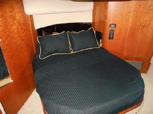 2001 Cruisers Yachts 5000 Sedan Sport  2174388