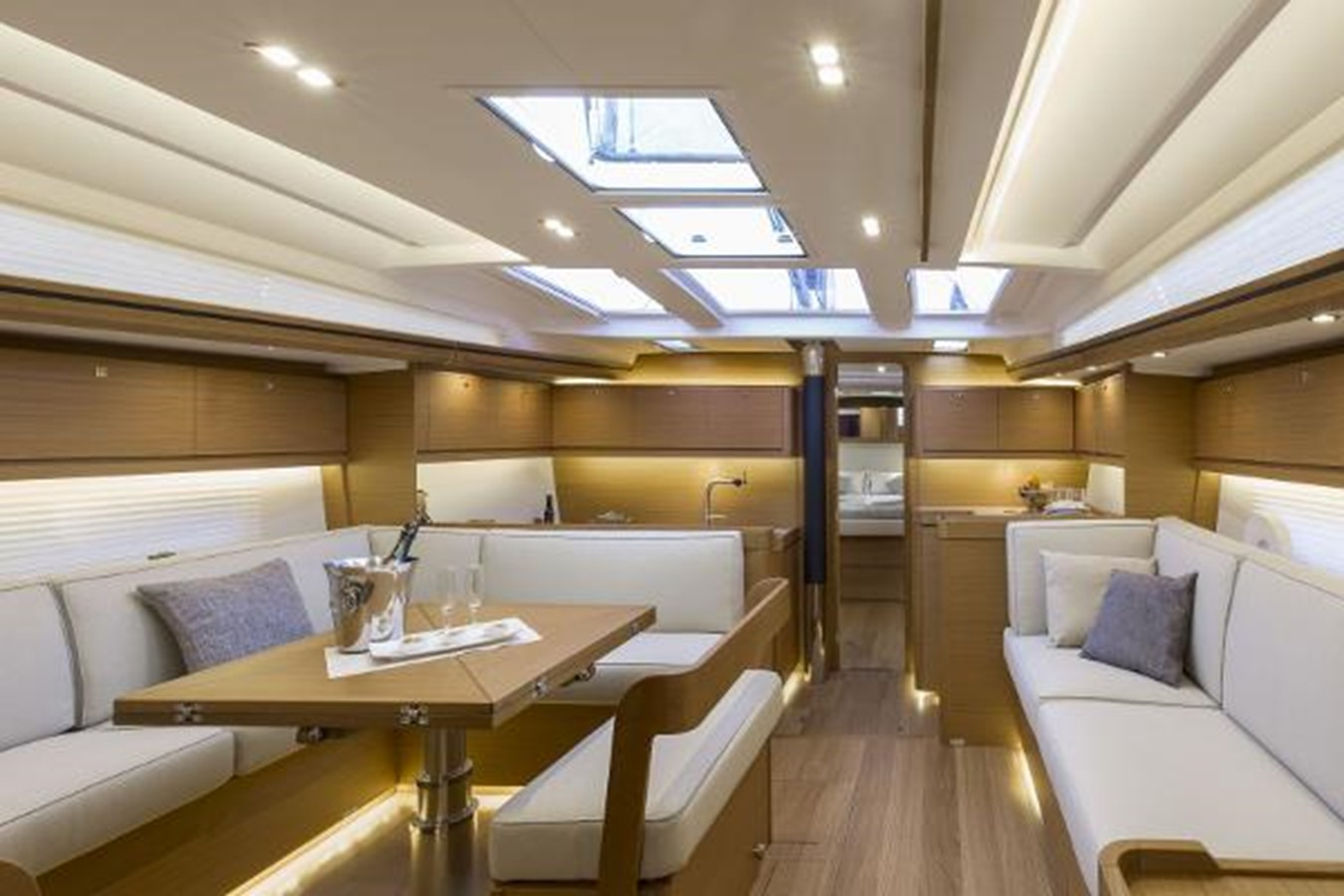 Manufacturer Provided Image: Dufour 520 Grand Large 2019 DUFOUR 520 Grand Large Classic Yacht 2179779