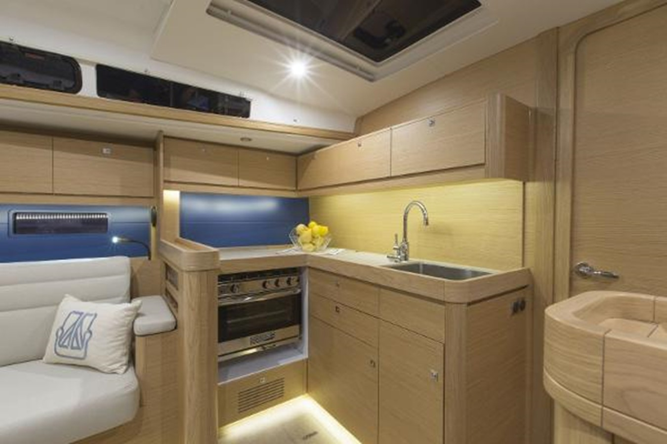 Manufacturer Provided Image: Dufour 460 Grand Large 2019 DUFOUR 460 Grand Large Cruising Sailboat 2179897