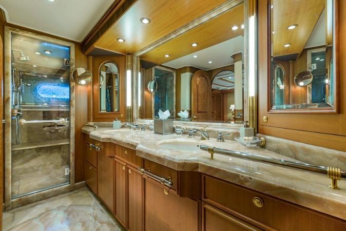 Master Bath 2000 ALLOY  Sloop 2181175