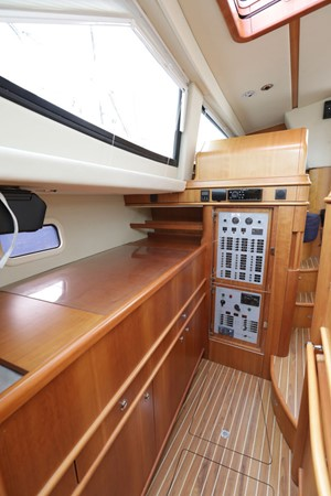 2008 DISCOVERY Discovery 55 Center Cockpit 2181265