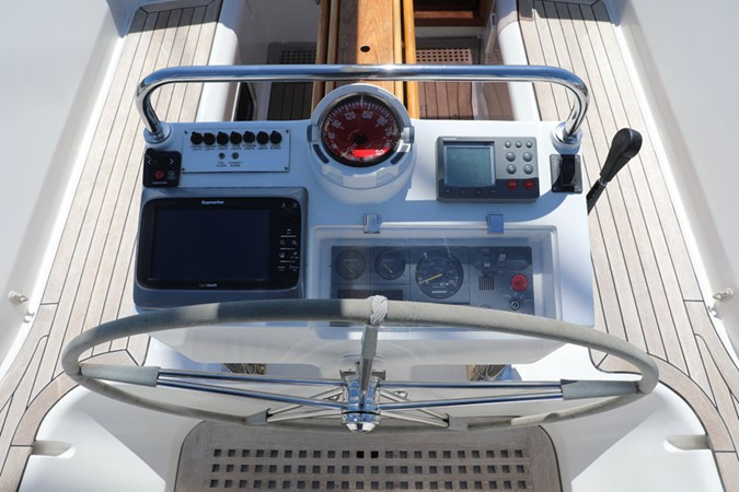2008 DISCOVERY Discovery 55 Center Cockpit 2181278