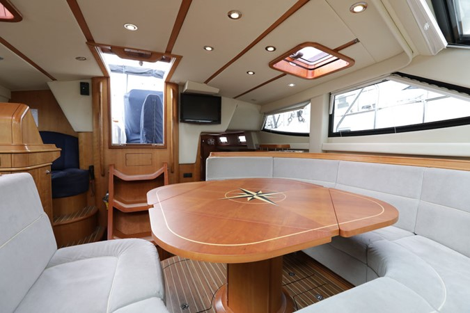 2008 DISCOVERY Discovery 55 Center Cockpit 2181280