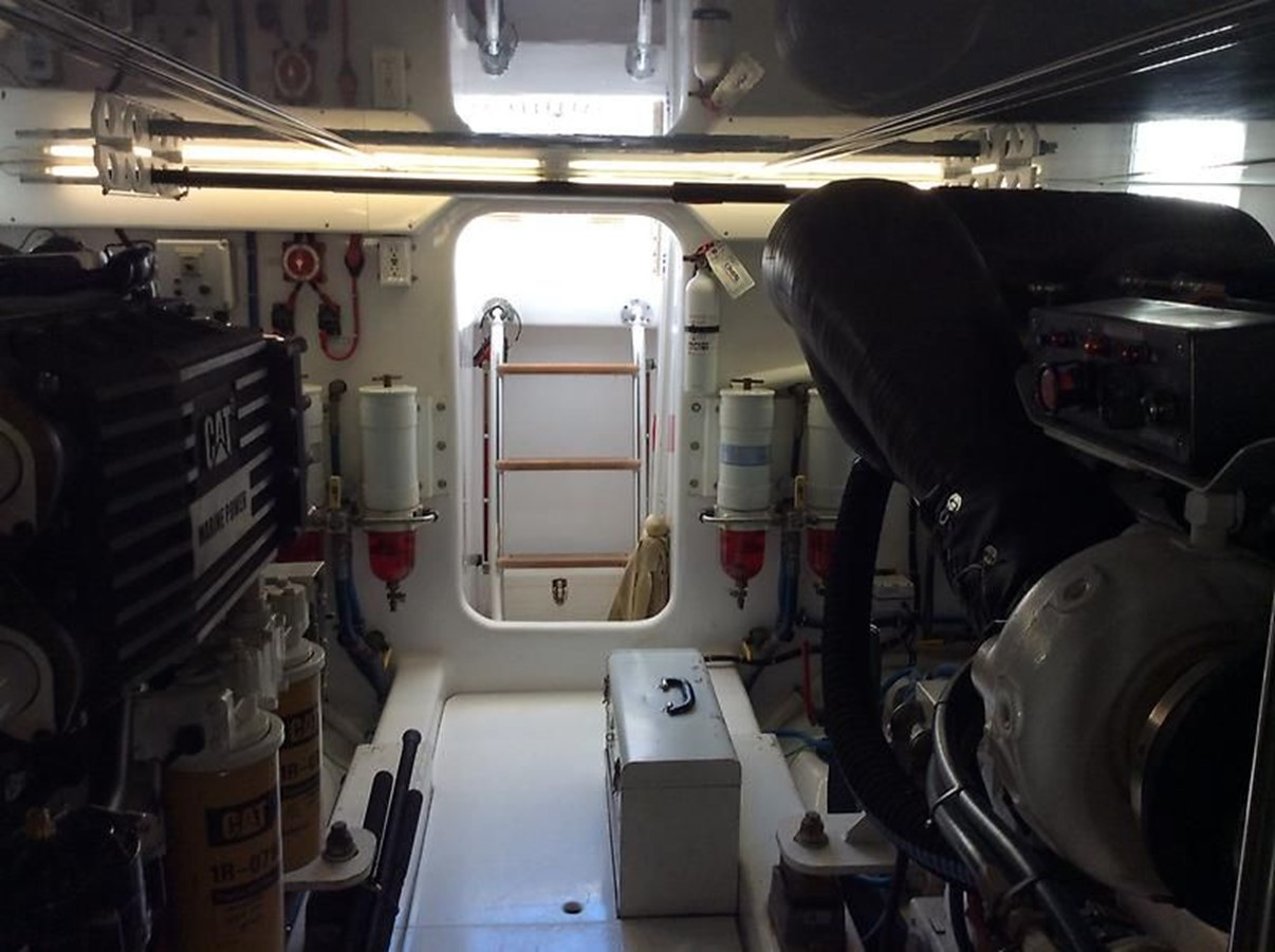 53' Jarrett Bay - Engine Room 8 - 53 JARRETT BAY For Sale