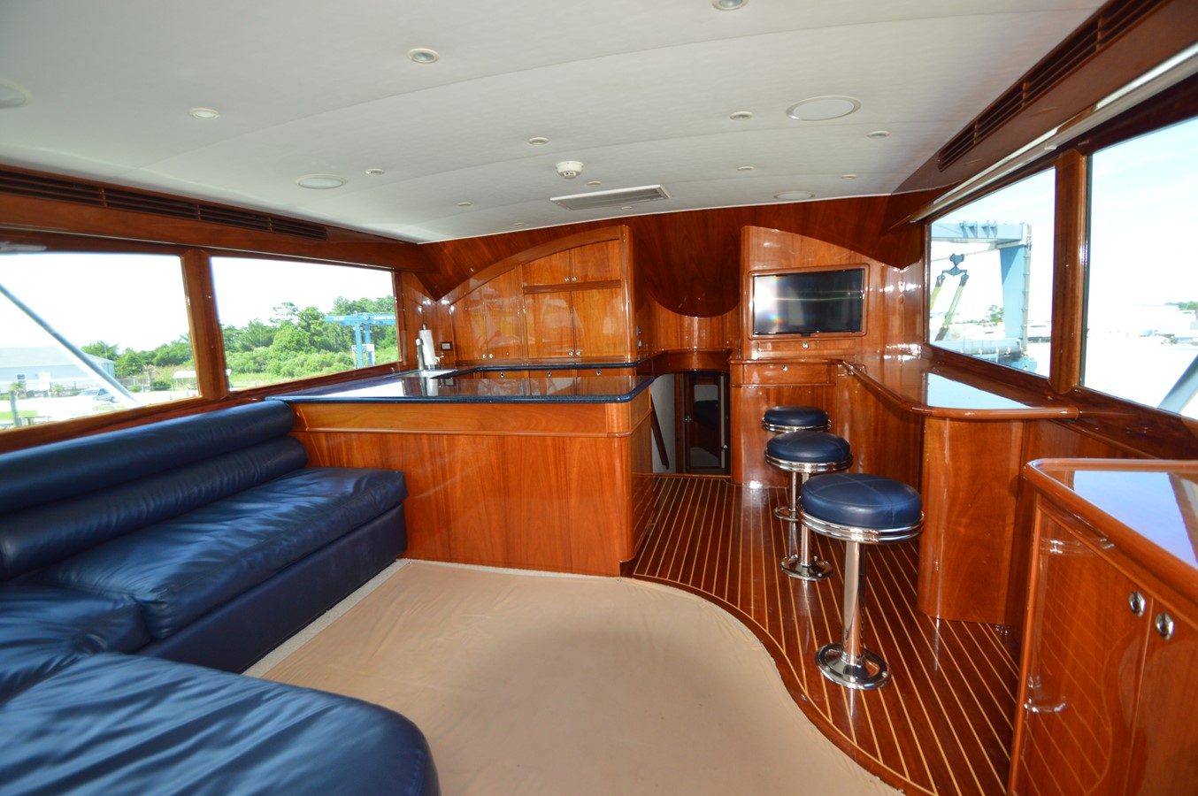 53' Jarrett Bay - Salon - 53 JARRETT BAY For Sale