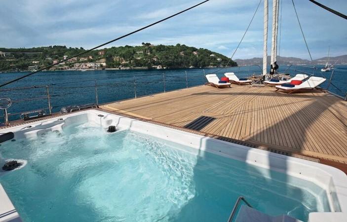 2015 PERINI NAVI  Cruising Sailboat 2182335