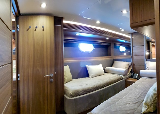 2015 VAN DER VALK Continental ll 2300  2183416