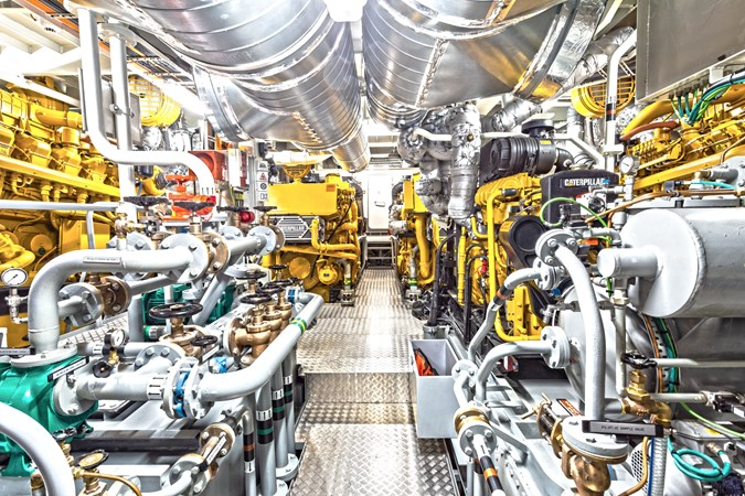 4 Caterpillar 3512-C diesel engines 2020 DAMEN  Mega Yacht 2313371