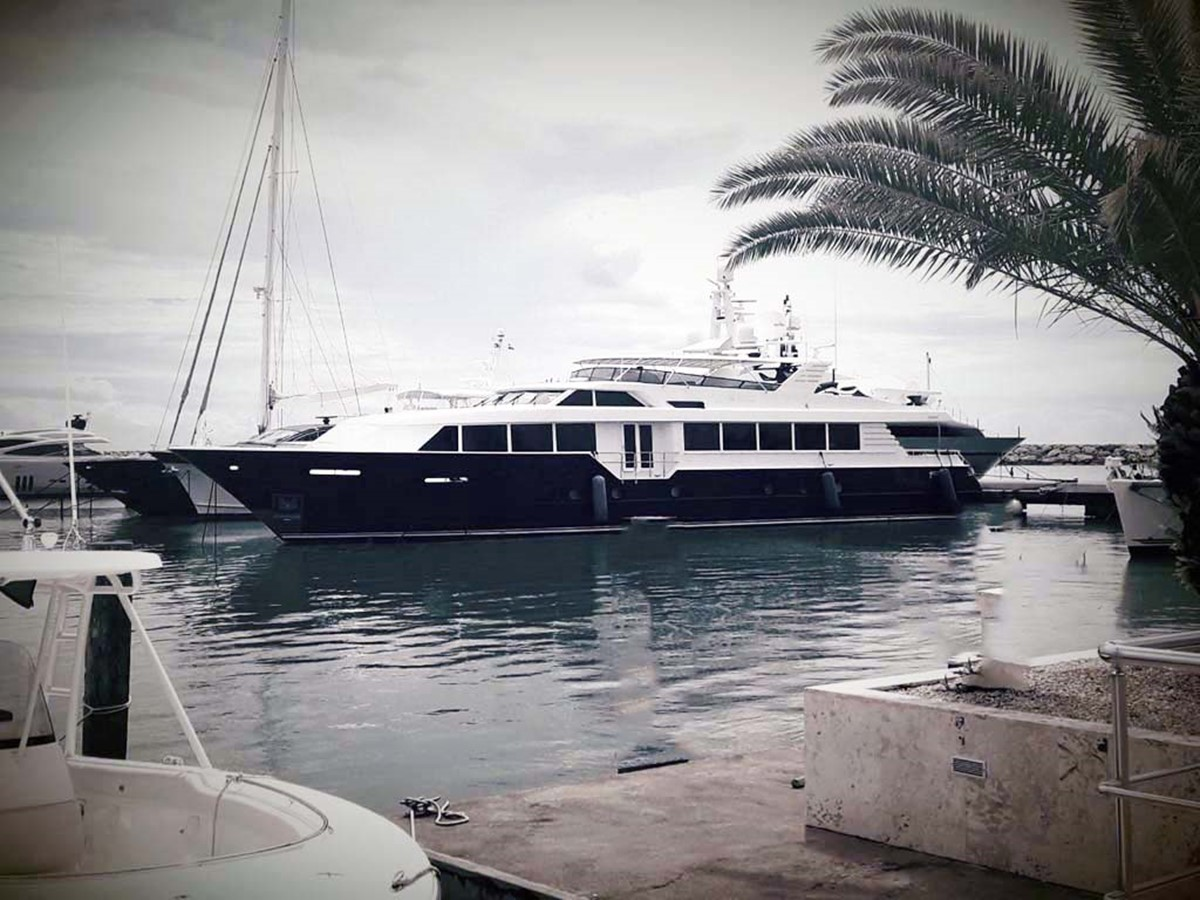 Main Profile 2001 BROWARD Raised Pilothouse MY  2193560