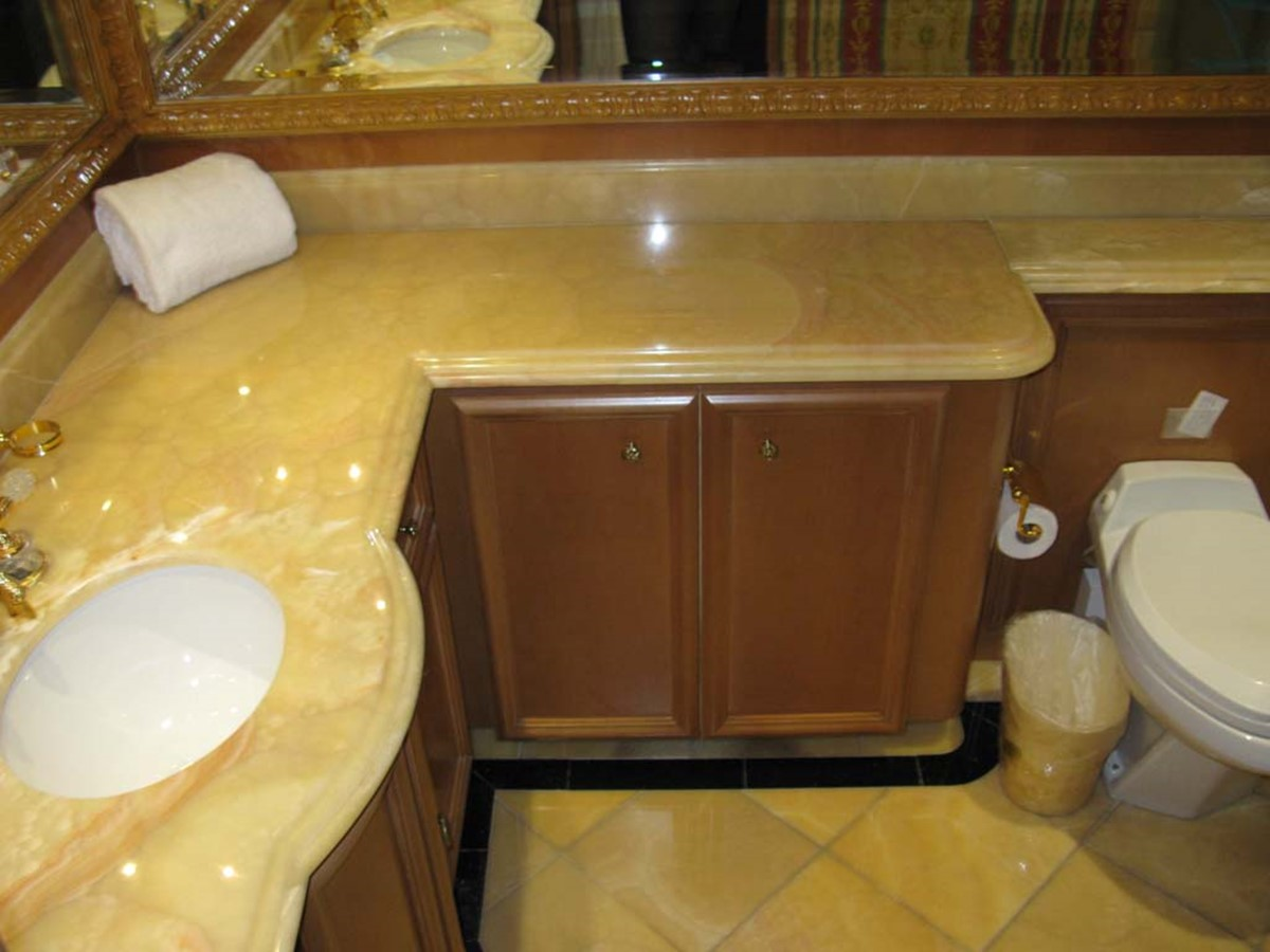 Master Stateroom Bath 2001 BROWARD Raised Pilothouse MY  2193564