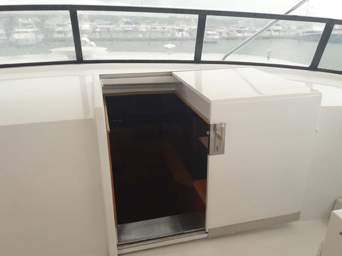 Companionway 2001 BROWARD Raised Pilothouse MY  2193571