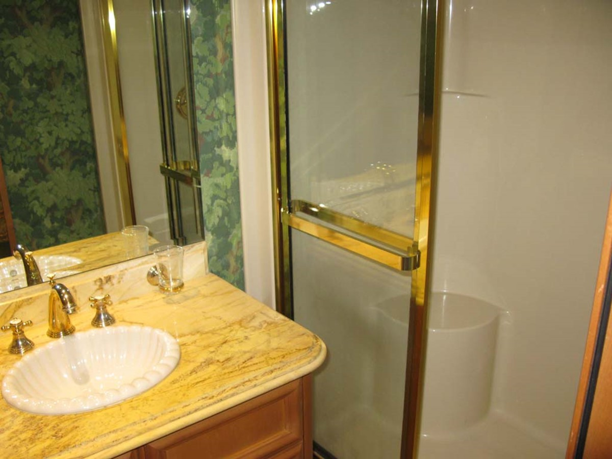 Guest Stateroom Shower 2001 BROWARD Raised Pilothouse MY  2193587