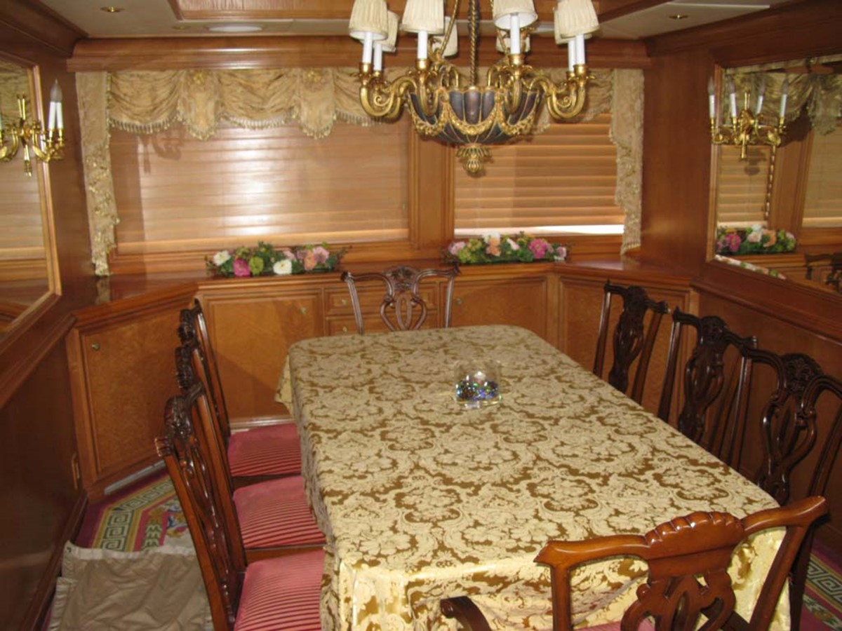 Formal Dining 2001 BROWARD Raised Pilothouse MY  2193589