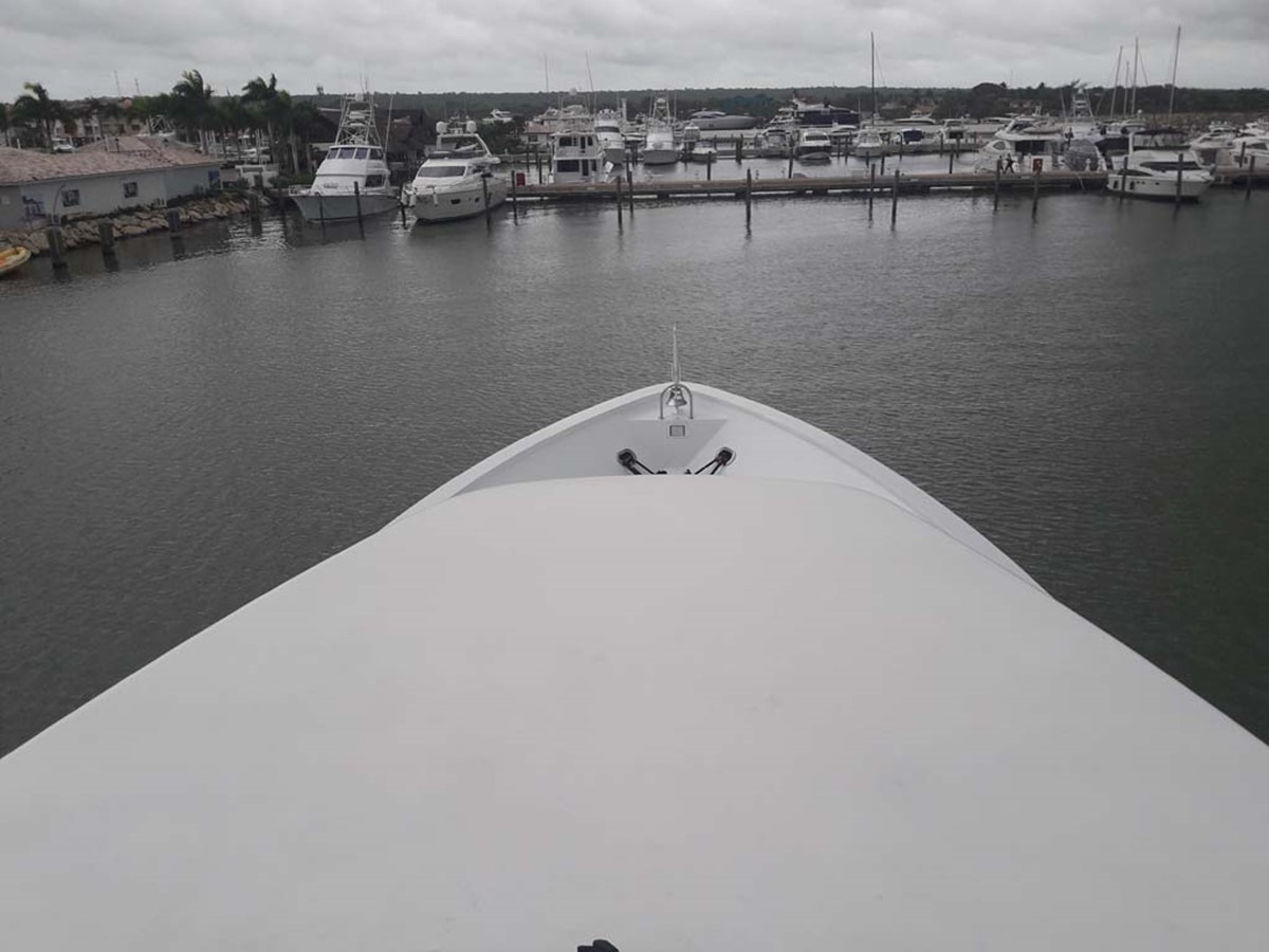 Foredeck 2001 BROWARD Raised Pilothouse MY  2193594