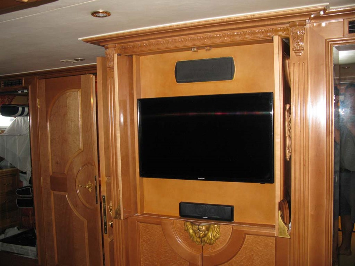 Master Stateroom 2001 BROWARD Raised Pilothouse MY  2193611