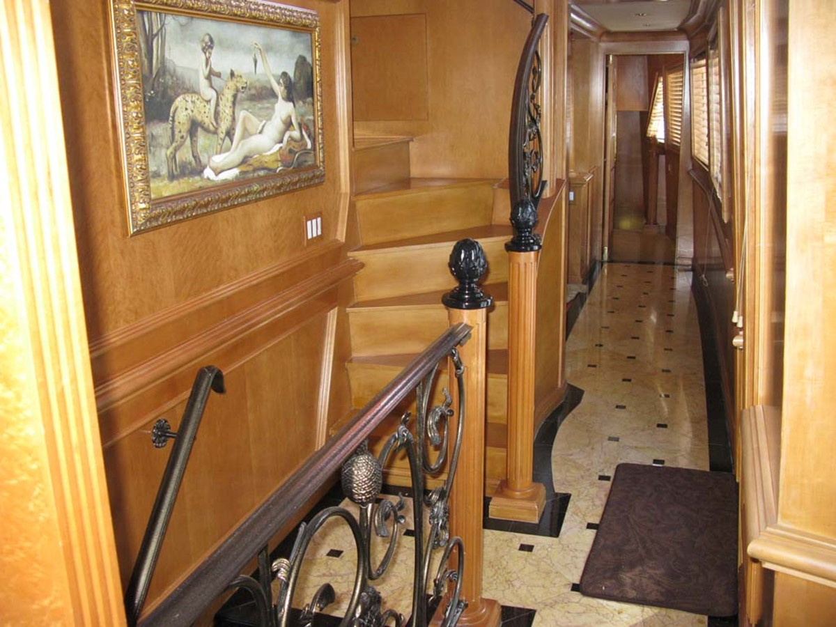 Hallway 2001 BROWARD Raised Pilothouse MY  2193615