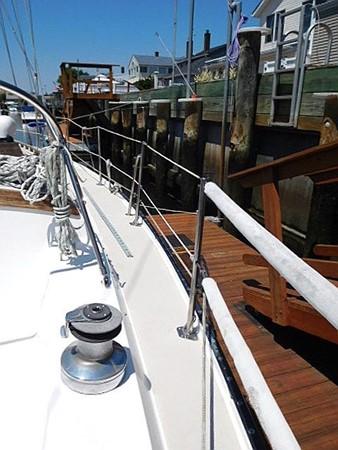 36&apos Catalina starboard deck  1986 CATALINA 36  2195603
