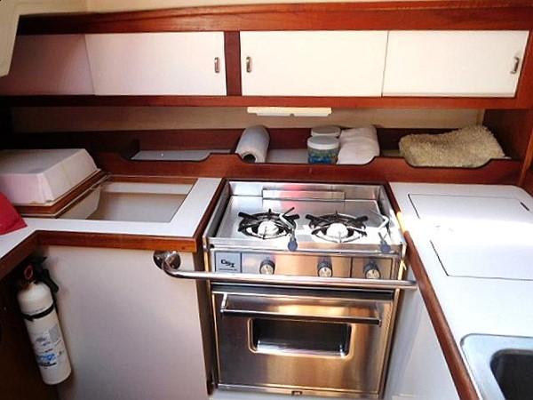 36&apos Catalina galley 1986 CATALINA 36  2195606