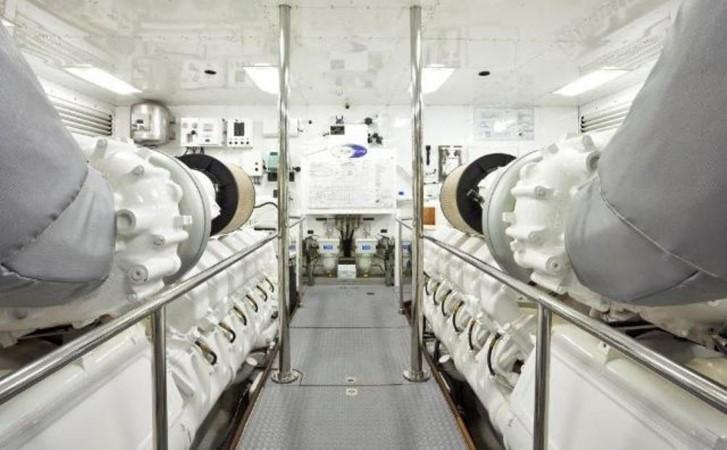 Engine Room 2004 FERRETTI CUSTOM LINE 2004  2200815