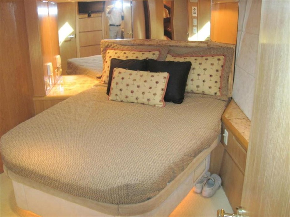 Master Stateroom 1997 HATTERAS Enclosed Bridge w/tower Sport Fisherman 2201595
