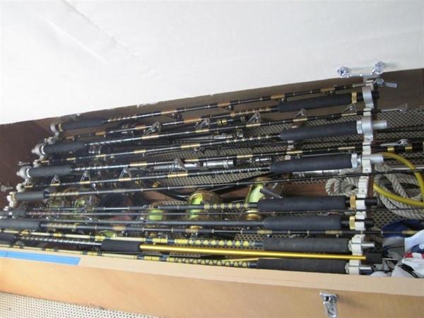 Rod Storage 1997 HATTERAS Enclosed Bridge w/tower Sport Fisherman 2201606