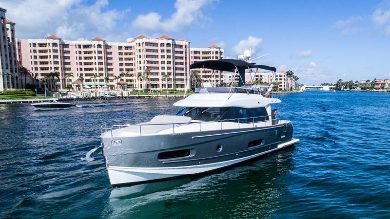 Profile  2015 AZIMUT Magellano 43 Motor Yacht 2202949