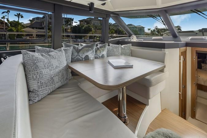 Dinette  2015 AZIMUT Magellano 43 Motor Yacht 2202951