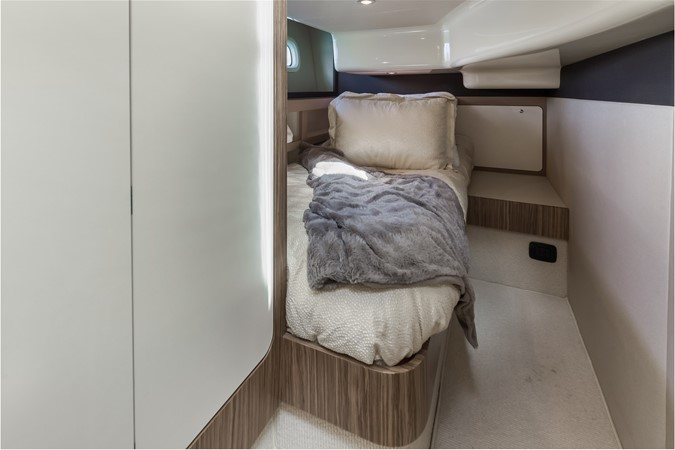 Stateroom  2015 AZIMUT Magellano 43 Motor Yacht 2202955