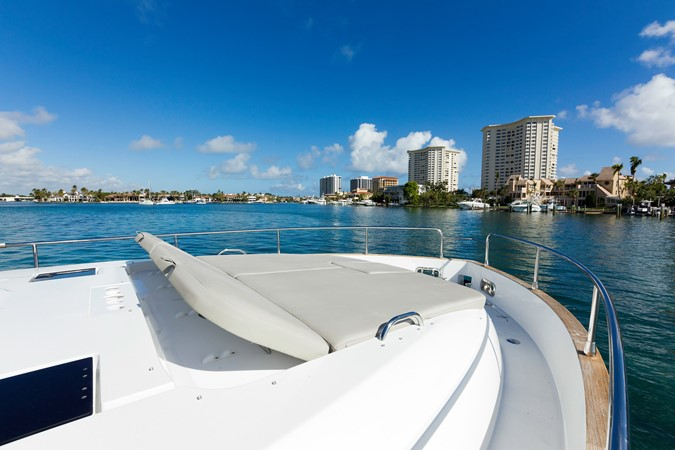 Bow sun tanning pads 2015 AZIMUT Magellano 43 Motor Yacht 2202967