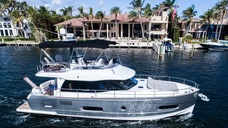 Profile  2015 AZIMUT Magellano 43 Motor Yacht 2202969