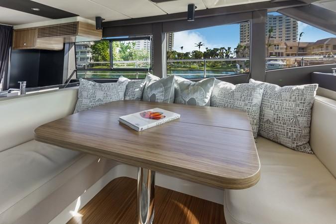 Dinette  2015 AZIMUT Magellano 43 Motor Yacht 2202974