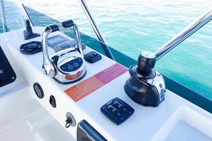 Helm station 2015 AZIMUT Magellano 43 Motor Yacht 2202978