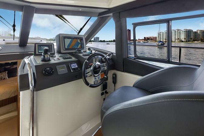 Helm station 2015 AZIMUT Magellano 43 Motor Yacht 2202992