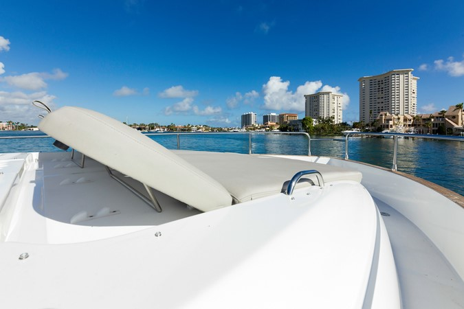 Bow sun tanning pads 2015 AZIMUT Magellano 43 Motor Yacht 2202998