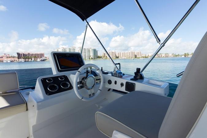 Helm station 2015 AZIMUT Magellano 43 Motor Yacht 2203003