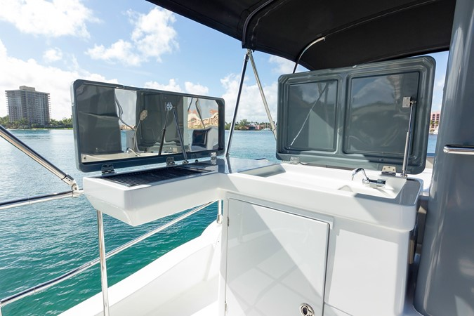 Flybridge  2015 AZIMUT Magellano 43 Motor Yacht 2203006