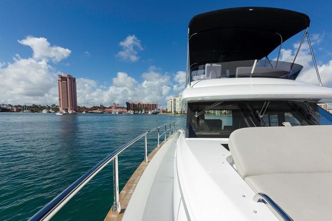 Bow 2015 AZIMUT Magellano 43 Motor Yacht 2203008