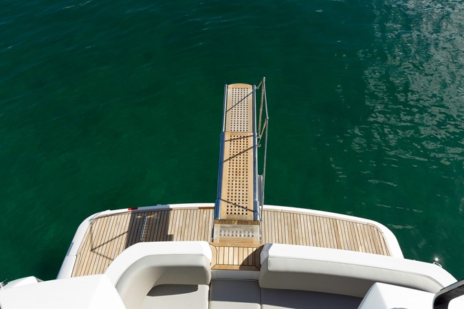 Plank 2015 AZIMUT Magellano 43 Motor Yacht 2203012