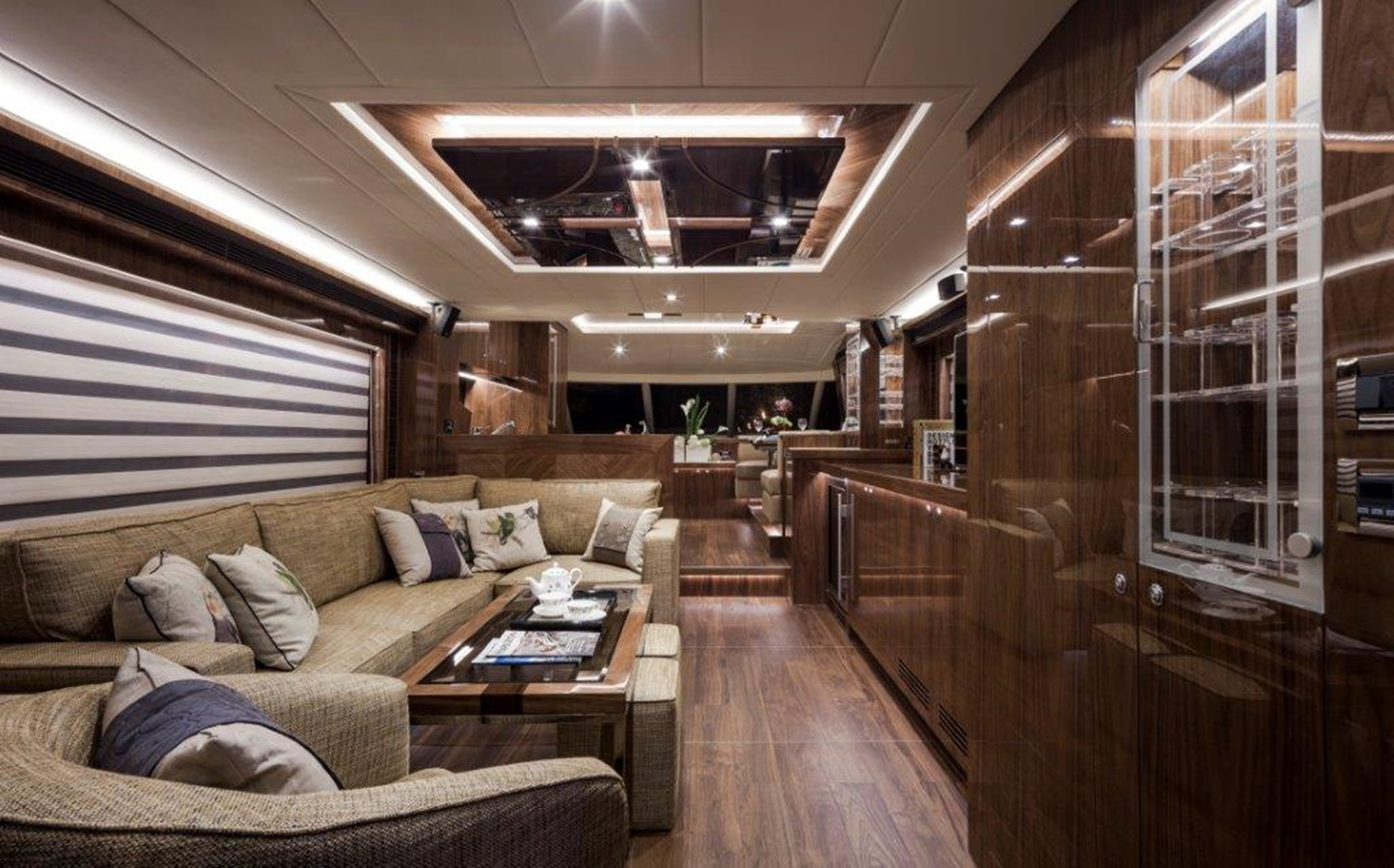Main Salon 2021 HORIZON E62 Motor Yacht 2205322
