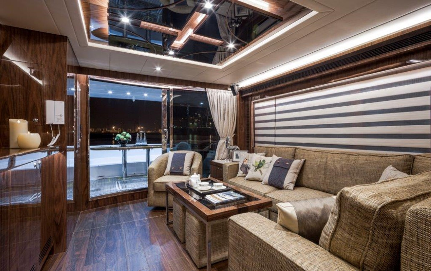 Main Salon 2021 HORIZON E62 Motor Yacht 2205323