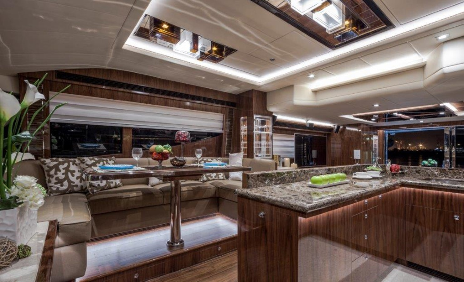 Galley - Dinette 2021 HORIZON E62 Motor Yacht 2205326