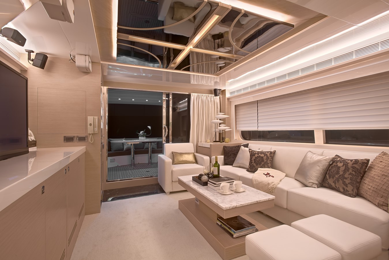 Main Salon  2021 HORIZON E62 Motor Yacht 2205338