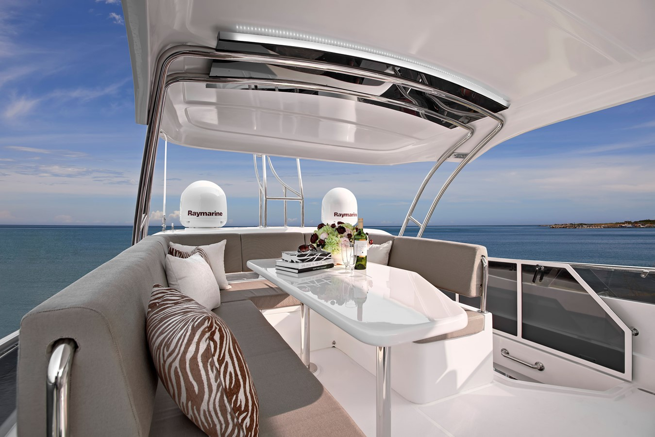 Flybridge 2021 HORIZON E56 Motor Yacht 2205406