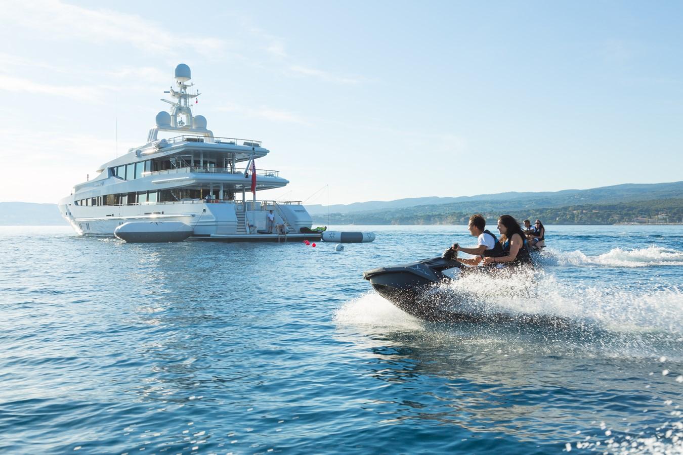 2000 OCEANCO  Motor Yacht 2206153
