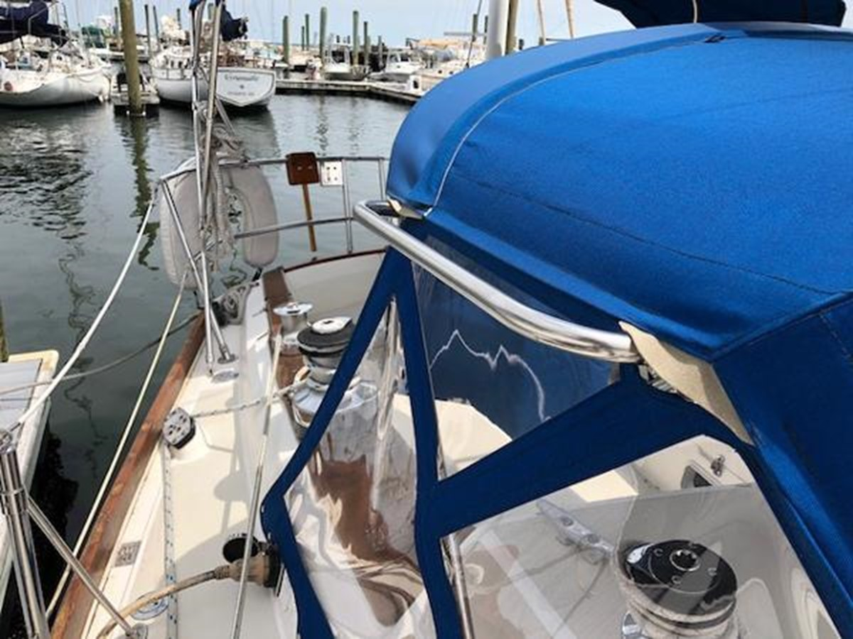 Dodger has stainless handrails on both sides 1989 SABRE YACHTS 38 MKII Sloop 2207635