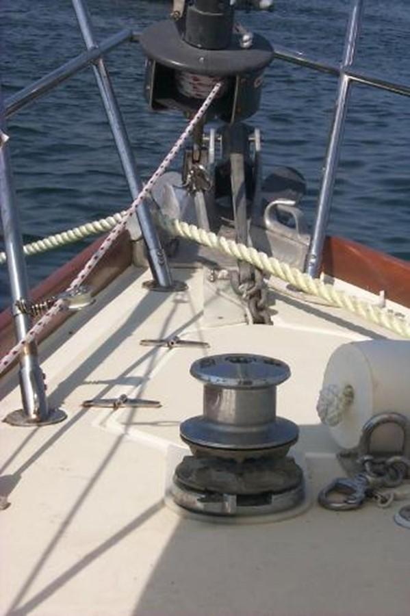 At anchor 1989 SABRE YACHTS 38 MKII Sloop 2207638